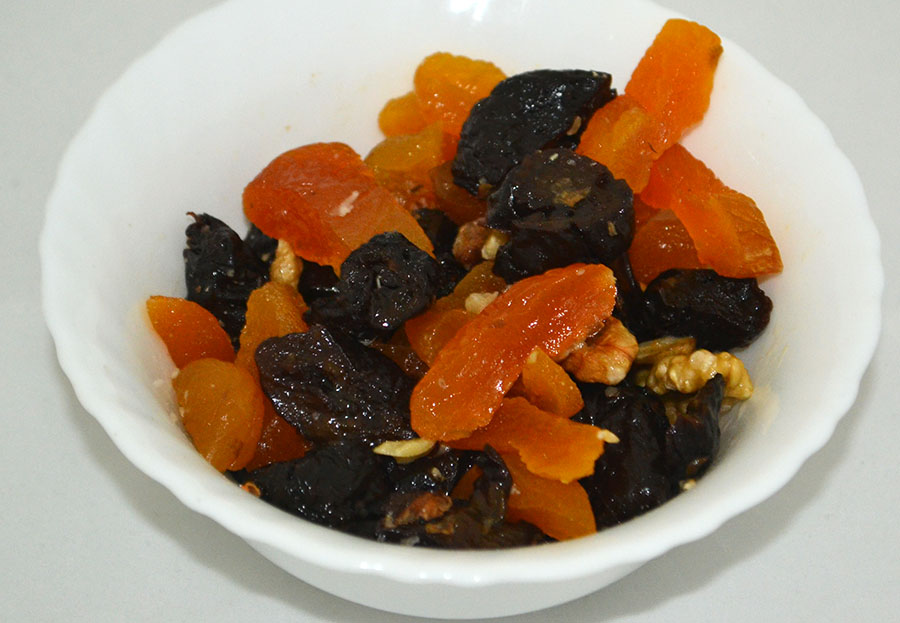 Салат Сладкий - курага, чернослив, орехи
