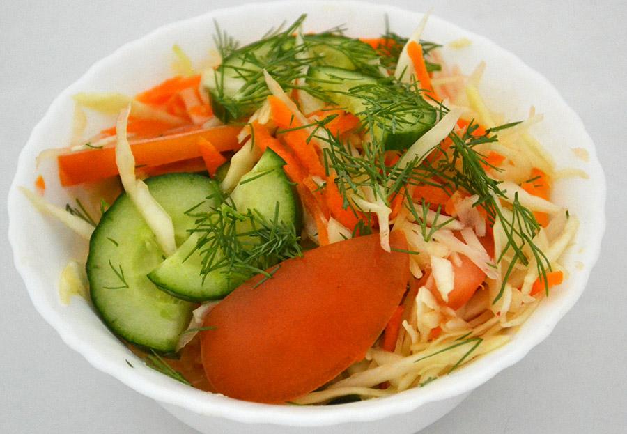 Салат Овощной с капустой