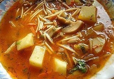 Суп грибной с вермишелью и томатом