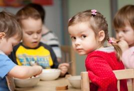 Мы будем кормить обедами детские летние лагеря CitYkids