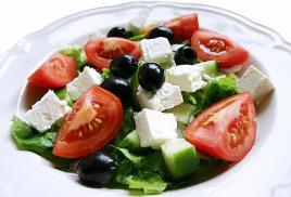 Греческое решение в салатном исполнении